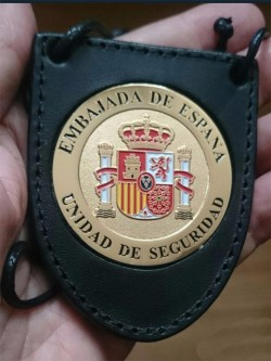 PLACA SEGURIDAD EN EMBAJADAS